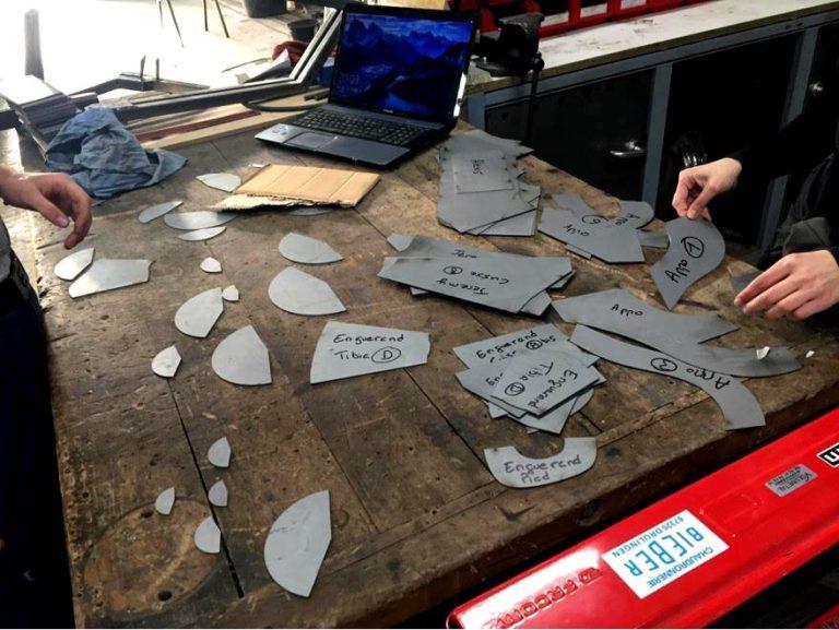 Dromadaire en tôle réalisé par les compagnons Chaudronniers du devoir à l'aide du logiciel de traçage MetalFox. Trémies, conoïdes, cônes obliques et troncs de cônes droits.